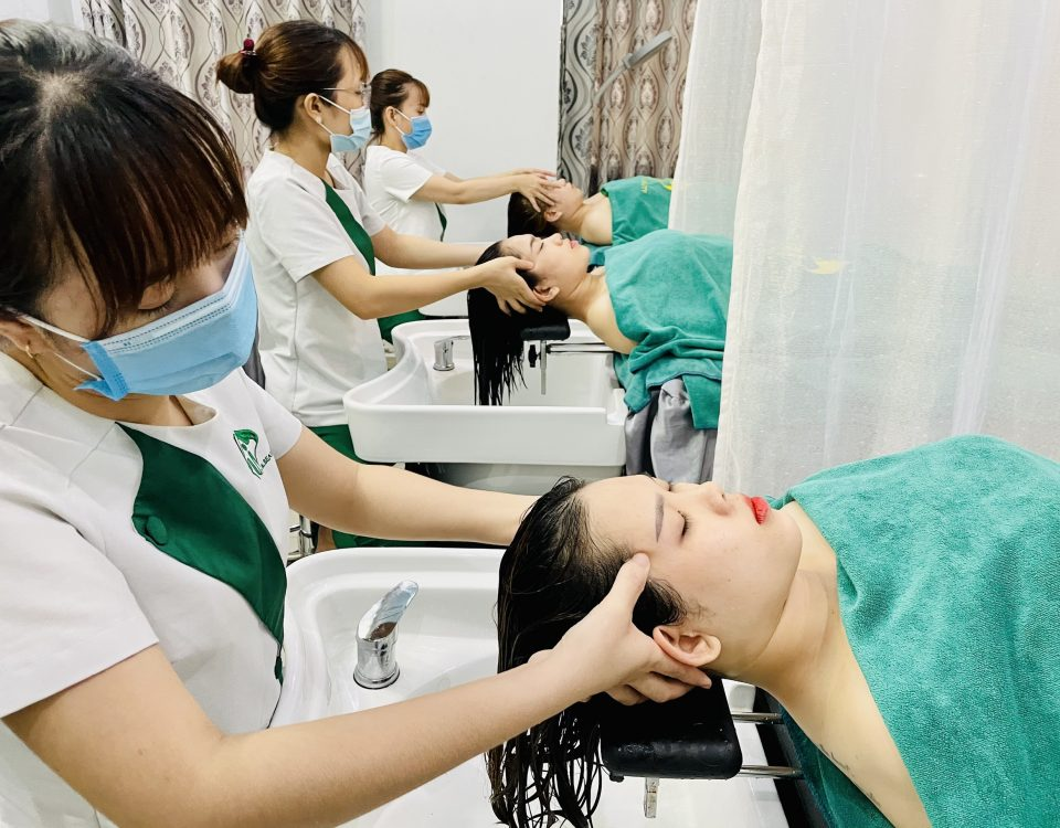 Massage ấn huyệt đầu dưỡng sinh giảm đau đầu hiệu quả