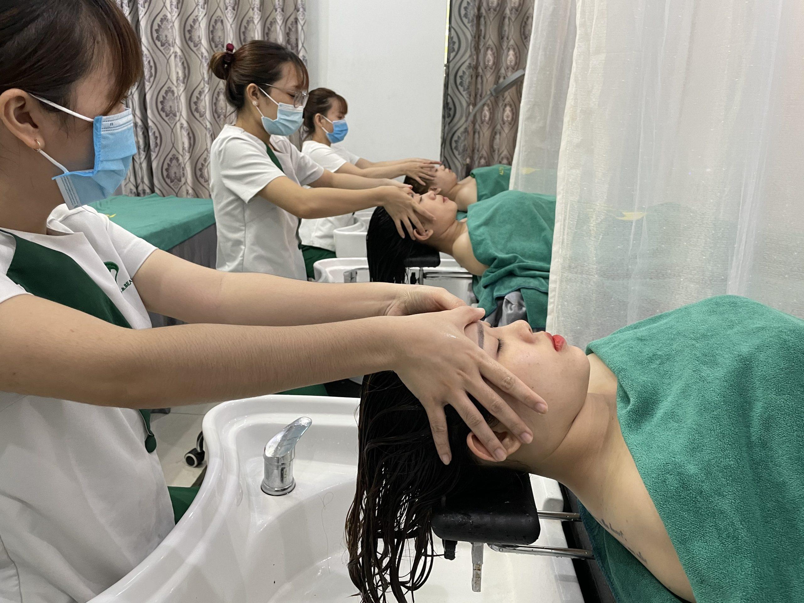 Bấm huyệt toàn trúc giảm đau đầu