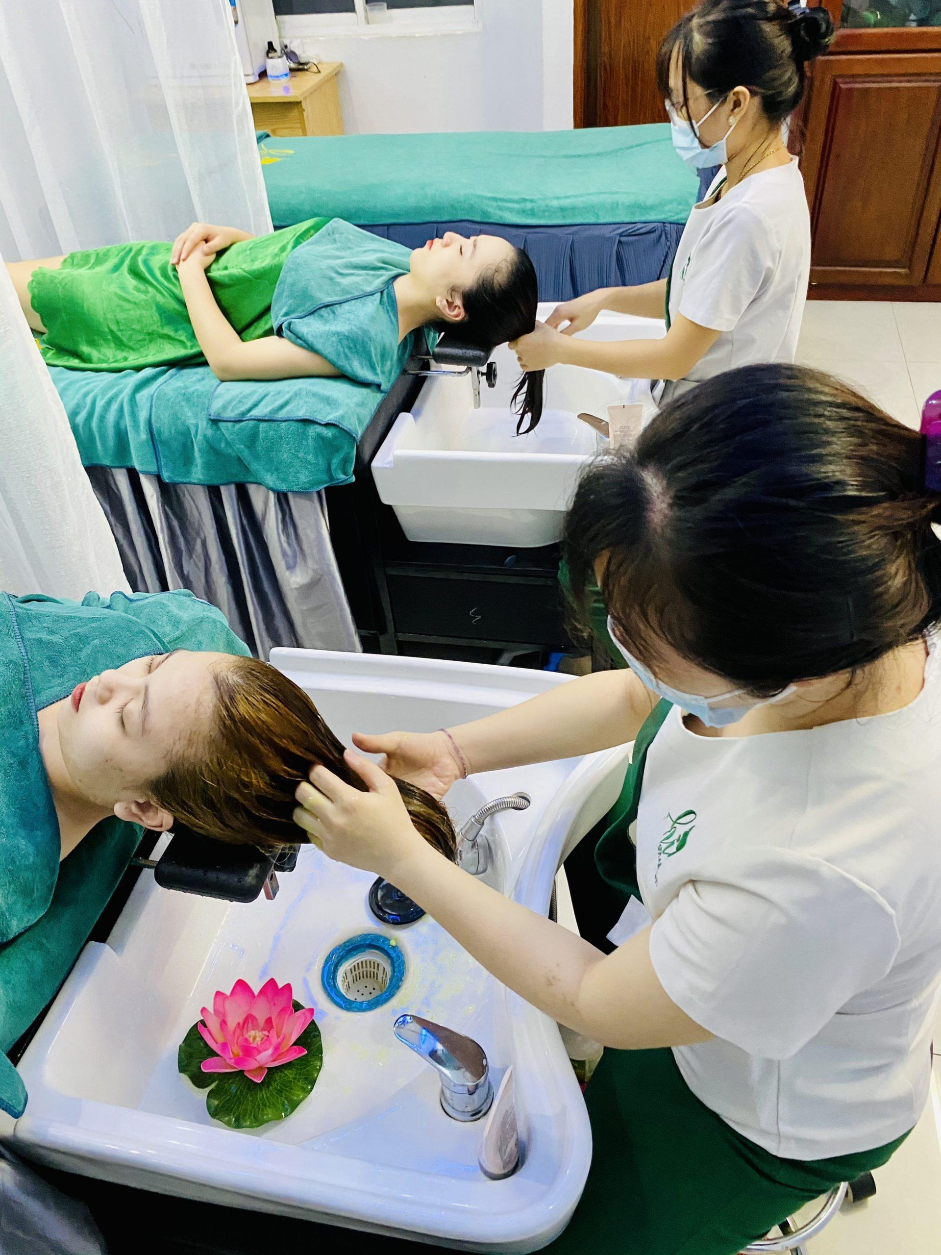 Gội đầu thảo mộc giúp phái nữ lấy lại vẻ đẹp mái tóc