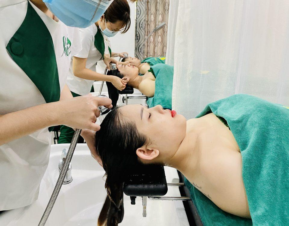 Làm sạch da đầu