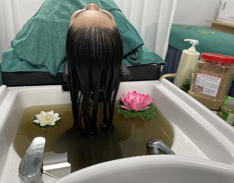 Gội đầu dưỡng sinh chăm sóc tóc tại Hi Spa